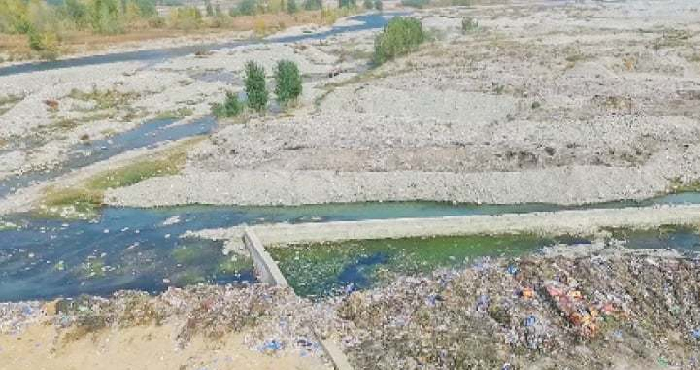 Swat River polluted by waste disposal